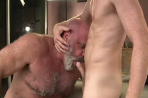 men With Great 10-Pounder nail nice Daddy Bear