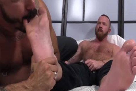 Muscled males Red And Alessio receive excited As They engulf Toes