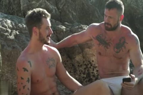 Muscle homo Outdoor And cumshot