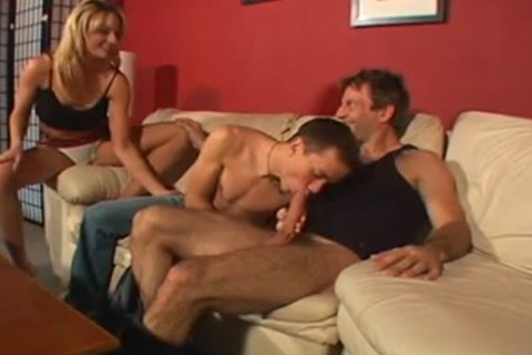 moist ambisexual Male+Male+Female on The daybed