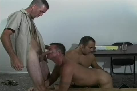 Four lusty homo Soldiers fucking In Cantine
