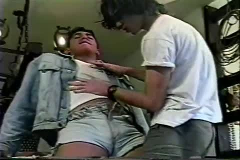 homo Brazilian legal age teenager Sucks 10-Pounder And Takes It In The wazoo