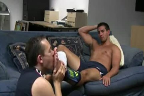 RELAX ON THE SOFA\'          homo FOOT WORSHIP