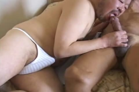oriental daddy lad Has His giant penis Sucked By pretty Daddy Bear