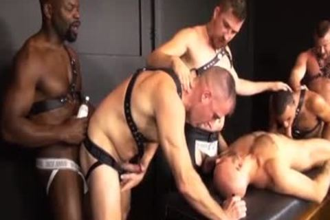 Interracial bunch-sex