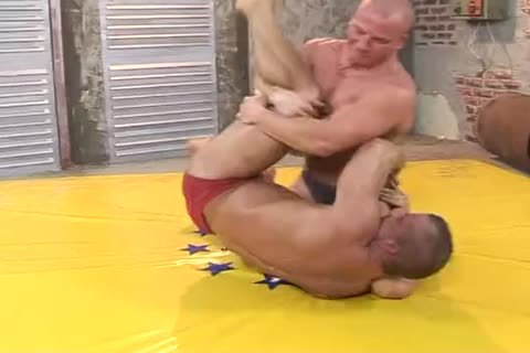 two Bodybuilders Dominate And bunch-sex Hard (Br