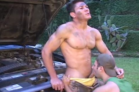 Outdoor homo Mechanic - Scene 1 - Mavenhouse