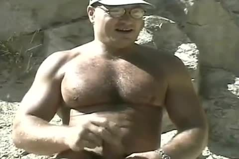 yummy Bodybuilder Outdoor stroking