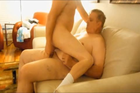 I Like Getting nailed By bulky boyz. I Like How They Use All Their Weight To Ram Their 10-Pounder In My wazoo