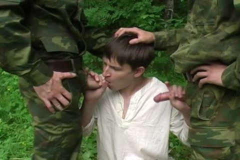 Two Military males acquire oral-job From A juvenile teen