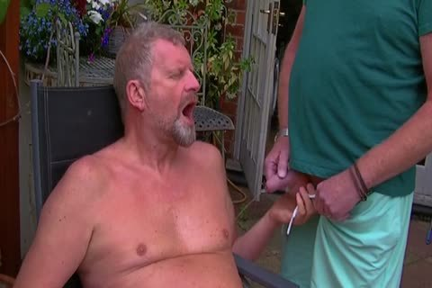 David Comes Over For Some enjoyment In The Garden And In The Bedroom Too And I acquire His large 10-Pounder In My arsehole Hoooo Did It Feel good