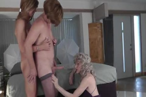 Crossdresser three-some - Lesson 1