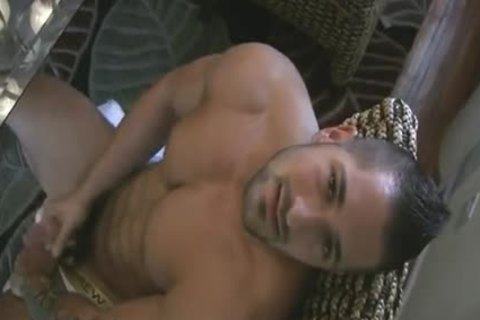 [GVC 108] delicious Muscle Hunk Beating Off