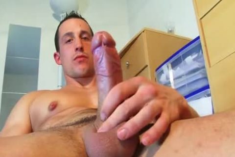 Full clip: A blameless straight Neighbour acquires Serviced His biggest pecker By A twink!