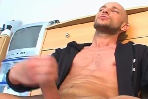 Full video scene: A pretty blameless Gym lad Serviced His large shlong By Us.