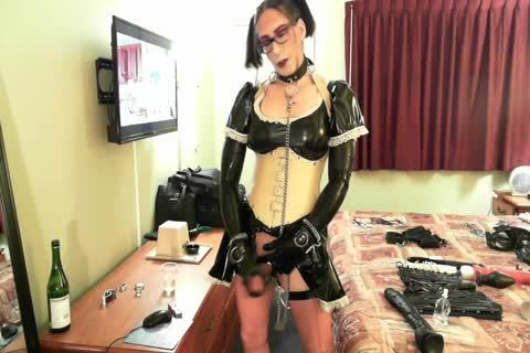 lovely Latex Sissy Maid