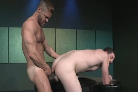 Muscle homo Flip Flop With Facial cum