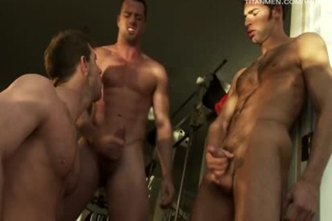 Distraction: Dario Beck, Dean Flynn & Marco Blaze!