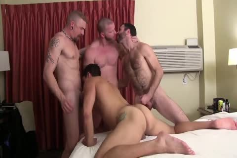 Sweaty Pigs bareback Breeding Party