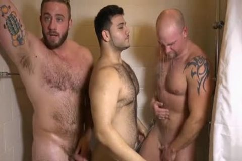 Muscle homo threesome And sperm flow
