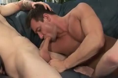brawny Hunk Having Sinful Threeway enjoyment - Gayfurorcom