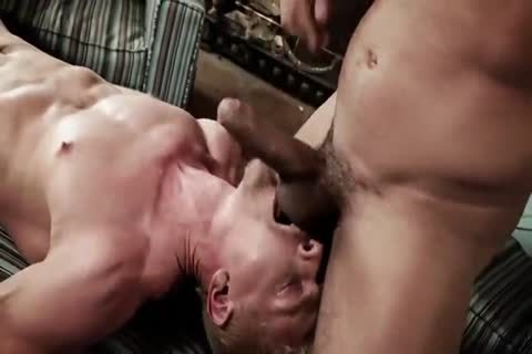 Alejandro Castillo pound Cody Winter