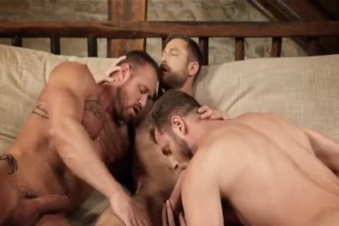muscular threesome unprotected And Creampie