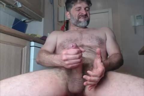 JACKING OFF THE large humongous UNCUT rod