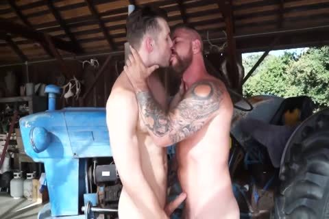 1-7 2 Hunk And Daddy bang In The Barn