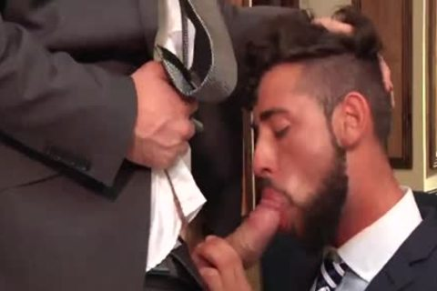 Have employees sex this in office all have excellent and duly