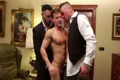 Double Teamed In The Office - Darius Ferdynand banged By Hugh Hunter And Flex Xxtremo