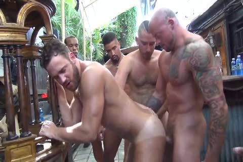 MusclePup Logan Moore gets bunch team-hammered & Barebacked plow