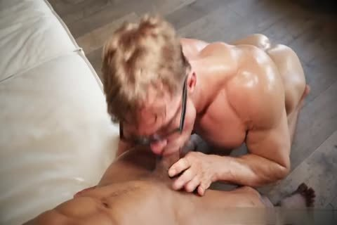 Rodrigo's huge 10-Pounder Destroys Geek twink