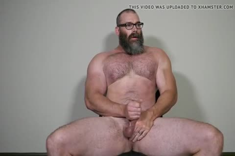 Muscle Daddy Rick Flex jerk off & spooge