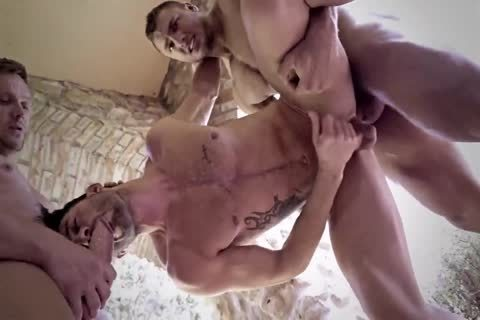 bareback Muscle Sex In The outdoors