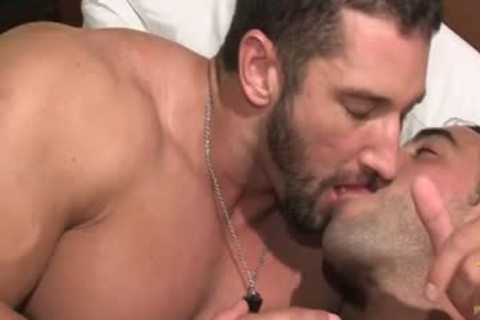 Muscleman Christian Powers And Emiliano Shower And Play