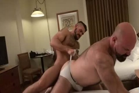 Muscle Bear raw And cock juice flow