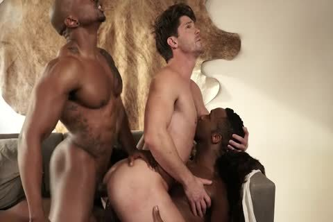 Interracial three-some (dp)