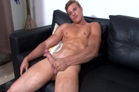 Luis Parker kinky Adonis Solo