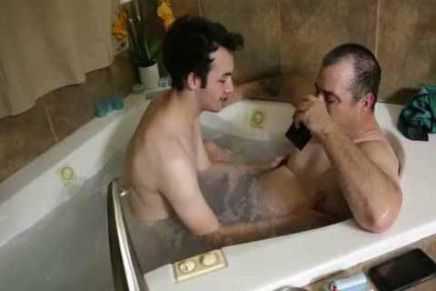 kinky Daddy In Tub nails young twink