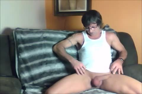 dark Haired Sugar Daddy likes To jack off Off