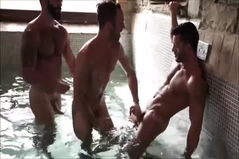 Three Muscle Hunks bare In A Sex Club