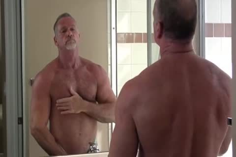 tasty Muscle Daddy Mikey Shower jack off