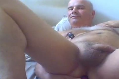 mature chap Love Ventouse On nipples And vibrator In booty