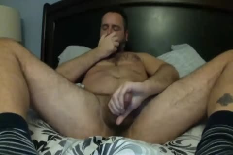 Daddy Knows How To Play