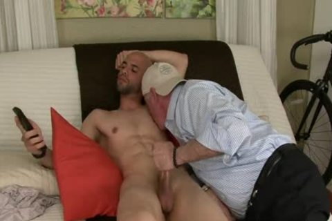 kinky blow And semen flow From Straight chap!