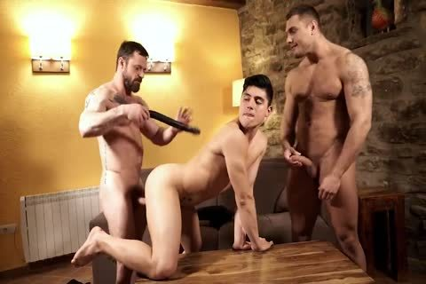 Daddy Barebacking twink And Muscled guy