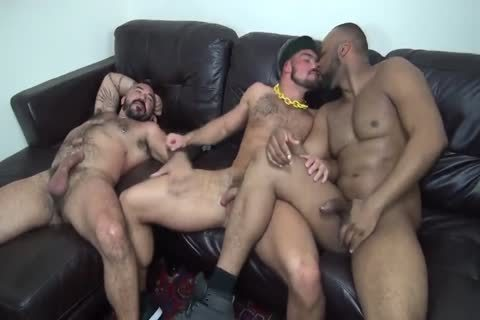Interracial Muscle Bears nail bare