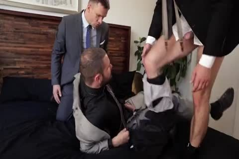 Suit pound 3some