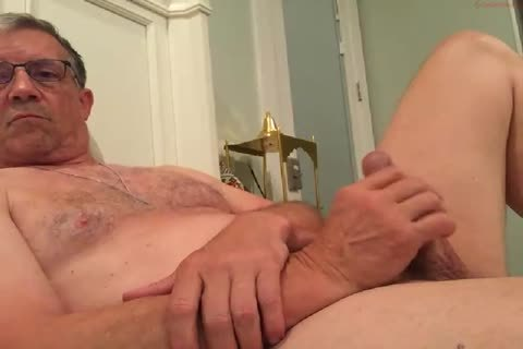large Dicked daddy jerking off 010
